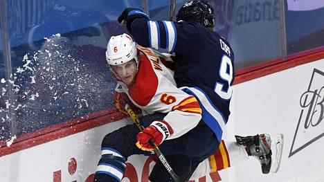 Juuso Välimäki on onnistunut NHL-urallaan maalinteossa kaksi kertaa. Arkistokuva.
