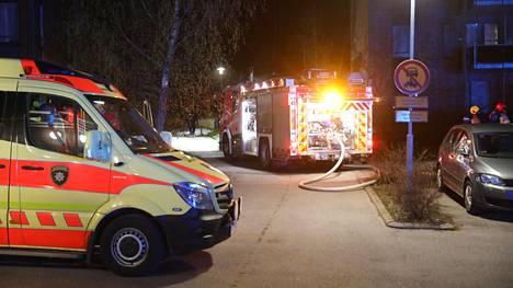 Pelastuslaitos sai sammutettua palon, eikä se aiheuttanut vaaraa muille ihmisille.