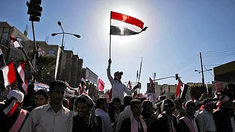 Mielenosoittajat nousivat ääneen nyt myös Jemenissä.