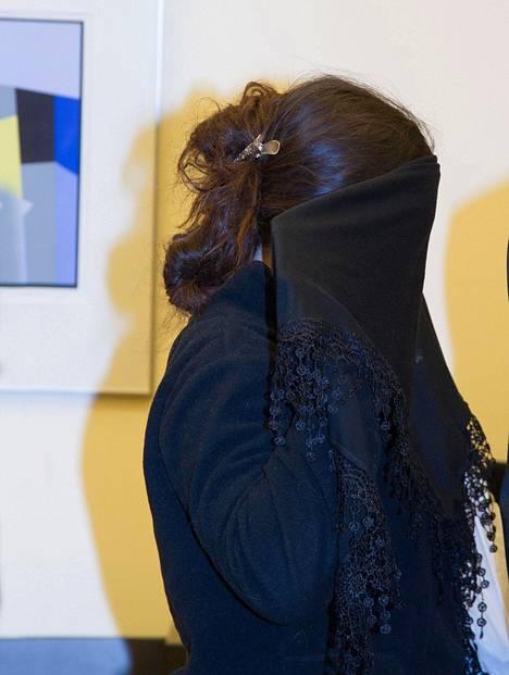 23-vuotias tytär sai neljä vuotta vankeutta.