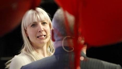 Kansanedustaja Laura Huhtasaari kertoo, että hänen päälleen sylkäistiin Fredrikinkadulla. Arkistokuva.