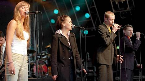 Ultra Bra esiintyi Provinssirockissa Seinäjoella 1998.