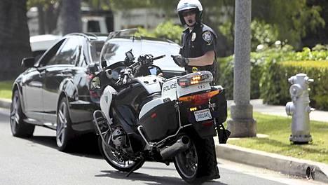 Poliisi muisti Arnold Schwarzeneggeria noin 300 euron sakolla.