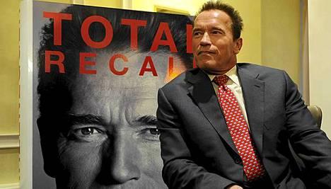 Schwarzeneggerin elämäkerta on nimeltään Total Recall.