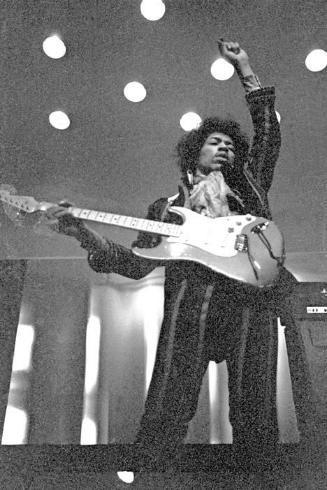 Hendrix Helsingin Kulttuuritalolla keväällä 1967.