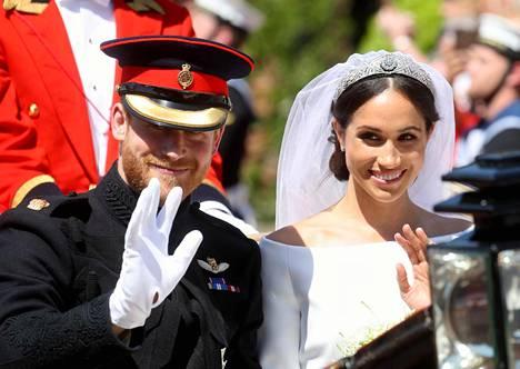 Meghanin kutreilla nähtiin hänen ja prinssi Harryn häissä kuningatar Marylle kuulunut timanttitiara vuodelta 1893.