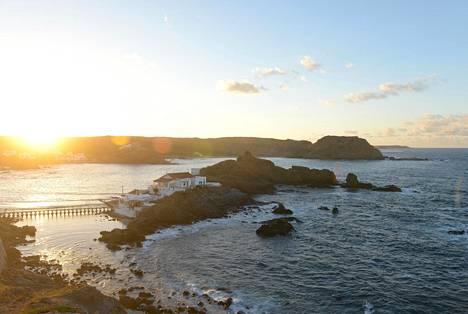 Pohjoisrannikko on muuta saarta karumpaa ja tyhjempää. Sa Mesquidan pikkukylässä on valkoisia kesäasuntoja ja upea hiekkaranta.
