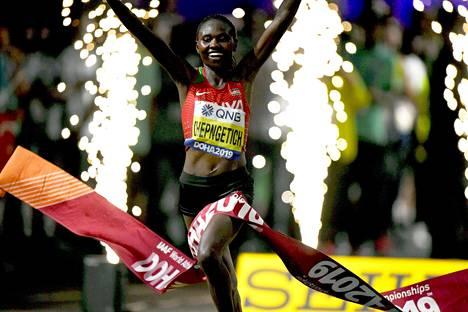 Dohan MM-maraton oli Ruth Chepngetichin näytös.