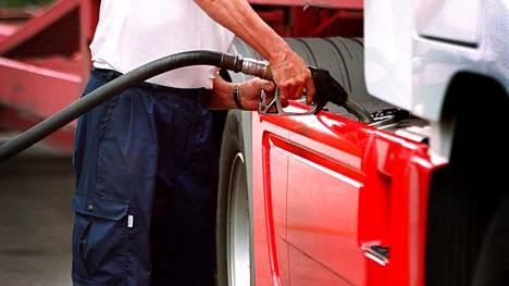 Tyypillisesti väärennetyssä dieselöljyssä on noin 20 prosenttia kerosiinia.