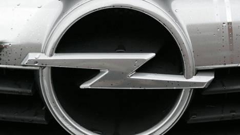 Opel sähköistyy.