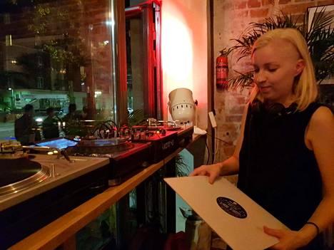 Johanna eli Uha on tehnyt DJ-keikkoja parin vuoden ajan.