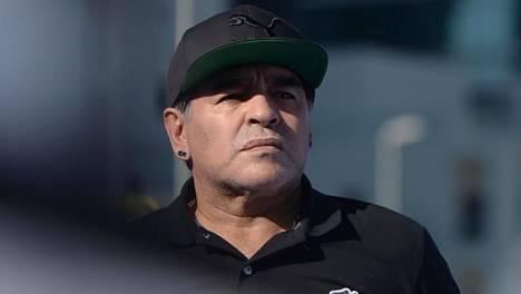 Diego Maradonan kuoleman taustoja tutkitaan.