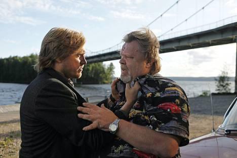 Elokuvassa Tie pohjoiseen Loiri näyttelee Samuli Edelmannin esittämän Timon renttuisää.