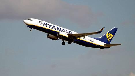 Ryanairin Boeing 737 NG -matkustajakone.