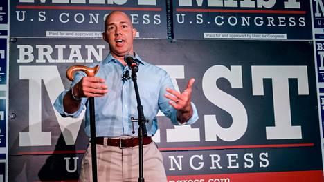 Brian Mast edustaa Floridaa kongressissa.