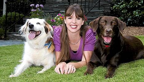 Victoria Stilwell on tuttu tv-sarjasta Isännän ja koiran käytöskoulu.