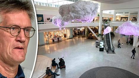 Lähes autiota. Frölunda Torgin ostoskeskus Göteborgissa oli perjantaina melkein tyhjä. Anders Tegnell väläytteli vieläkin tiukempia rajoituksia, jos tartunnat eivät ala kääntyä laskuun.