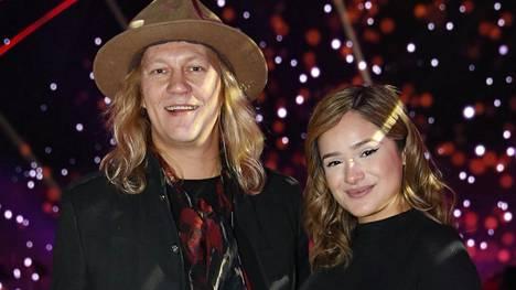 Jukka ja Chachi Hildénin tytär syntyi 25. marraskuuta. Nyt tuore äiti on julkaissut YouTubessa videon, jolle on ikuistettu koko synnytys.