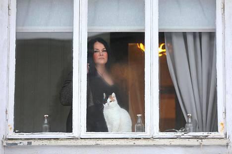 Ria kissansa Ullan kanssa.