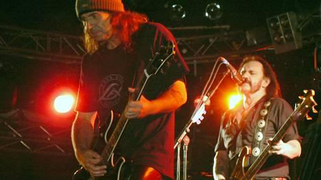 Motörhead-kitaristi Phil Campbell esiintyi Seinäjoen Vauhtiajoissa Lemmy Kilmisterin kanssa vuonna 2007.