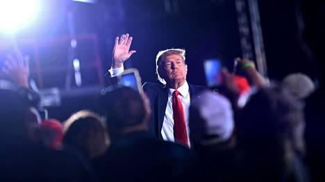 Presidentti Donald Trump kampanjatilaisuudessaan Georgiassa lokakuussa.