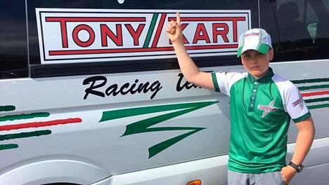 Kartinglupaus Tuukka Taponen siirtyi legendaarisen italialaistalli Tony Kart Racing Teamin kuljettajaksi.