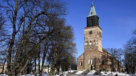 Turun tuomiokirkko on yksi kaupungin tunnetuimmista maamerkeistä.