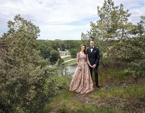 Victorian ja Danielin häistä tuli tänä kesänä kuluneeksi kymmenen vuotta. Yhtä kauan on kulunut siitä, kun kruununprinsessa alkoi haaveilla luonnossa samoilusta.