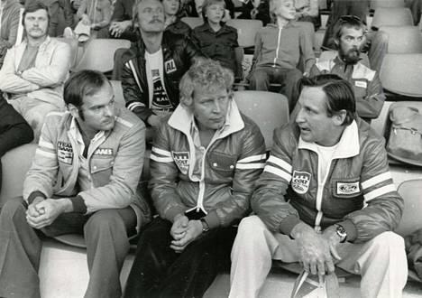Kolme Suurajojen voittajaa kuvattuna 1975. Stig Blomqvist (vas.), Hannu Mikkola ja Timo Mäkinen.