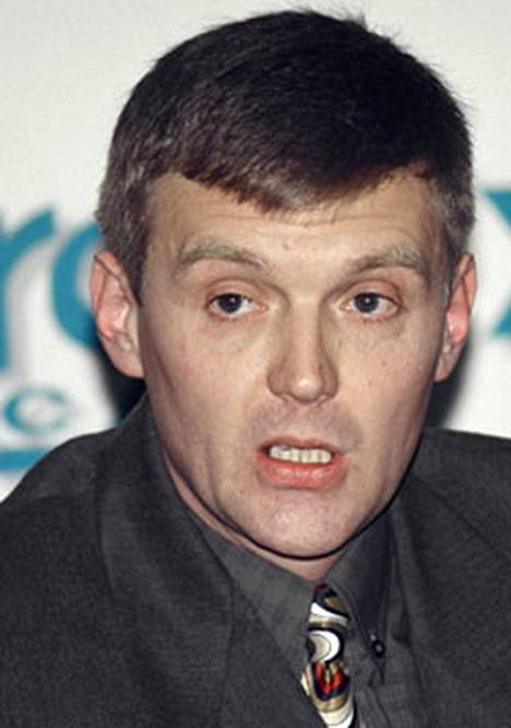 Viime kuussa murhattua entistä venäläisagenttia moititaan nyt Venäjän johdon taholta. Litvinenkoa syytetään heikkoluonteiseksi vanginvartijaksi.