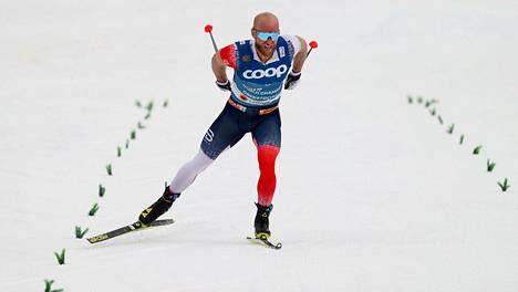Martin Johnsrud Sundby hiihti Oberstdorfin MM-kisojen 15 kilometrillä seitsemänneksi.