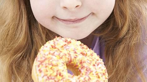 Joka neljäs 2–16-vuotias suomalaispoika ja joka kuudes tyttö on ylipainoisia.