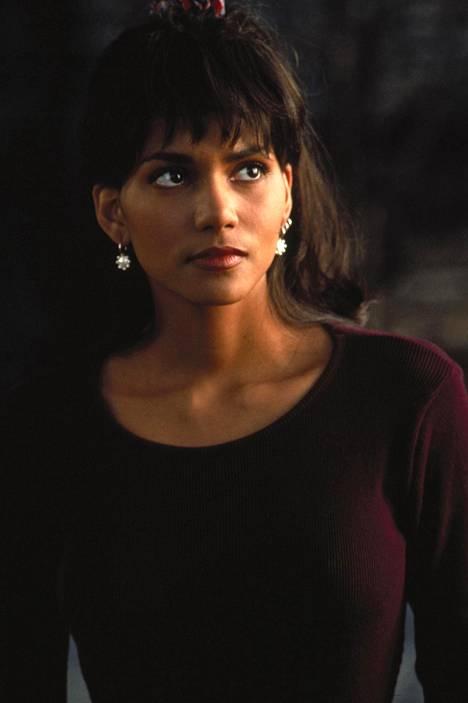 Halle Berry 27-vuotiaana vuonna 1993.