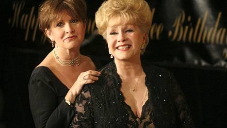 Carrie Fisher ja Debbie Reynolds olivat vuosia toistensa tukena – ajoittaisesta kinastelusta huolimatta.