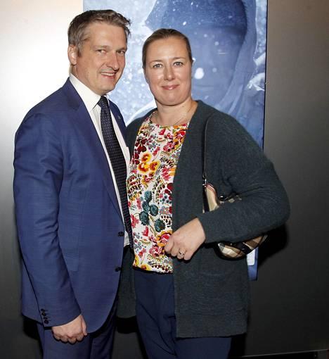 Jutta Urpilainen ja hänen aviomiehensä Juha Mustonen 2017. Heillä on kaksi lasta.