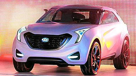 Tällä autolla Hyundai haastaa Nissan Juken. Uuden Curb-konseptin odotetaan puhuttelevan urbaania sekä aktiivista ilta- ja yöelämää viettäviä nuoria aikuisia.