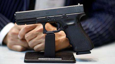 Varastetut aseet ovat mallia Glock 17.