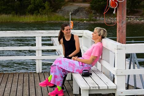 Sanna Marin kutsui Maria Veitolan luokseen virka-asunnolleen Kesärantaan.