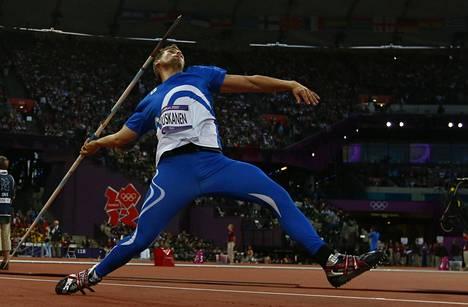 Ruuskanen heitti Lontoon olympialaisissa kolmanneksi, mutta mitali kirkastui hopeaksi ukrainalaisen Oleksandr Pjatnytsjan dopingkäryn myötä.