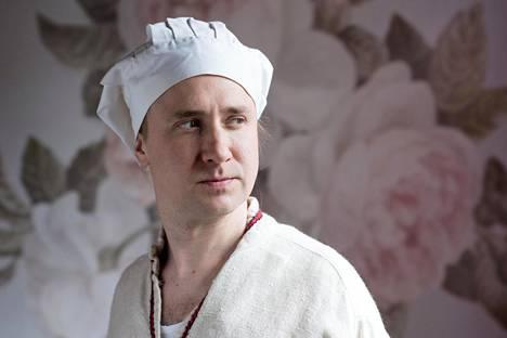 Venäläisen ruoan kurssilla kokkina häärii Sampo (Ylermi Rajamaa).