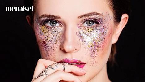 Näin onnistut glittermeikissä: 5 asiaa, jotka kimallekonkari on oppinut