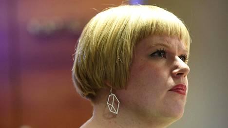Perhe- ja peruspalveluministeri Annika Saarikko (kesk)