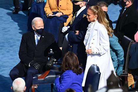 Myös muun muassa Jennifer Lopez esiintyi virkaanastujaisissa.