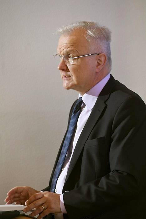 Olli Rehn oli kyselyn jaetulla kakkossijalla Jussi Halla-ahon kanssa kahdeksan prosentin kannatuksella.