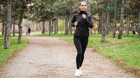 Juokseminen kannattaa aloittaa maltilla. Maltti koskee sekä lenkkien määrää, kestoa että vauhtia.