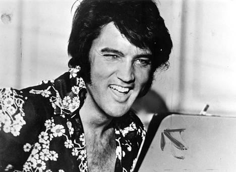 Elvis Presley (1935-1977) käyttäytyi viimeisessä lehdistötapaamisessaan vaatimattomasti.