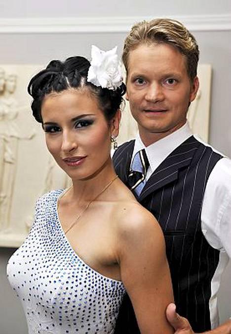Tuovatko Maria Lund ja Mikko Ahti Suomeen toisen perättäisen Eurotanssivoiton?