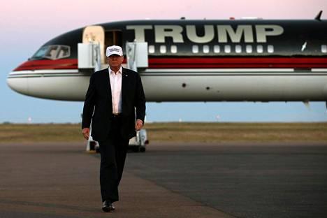 Donald Trump hankki Boeing 757-200 -koneen itselleen vuonna 2011.