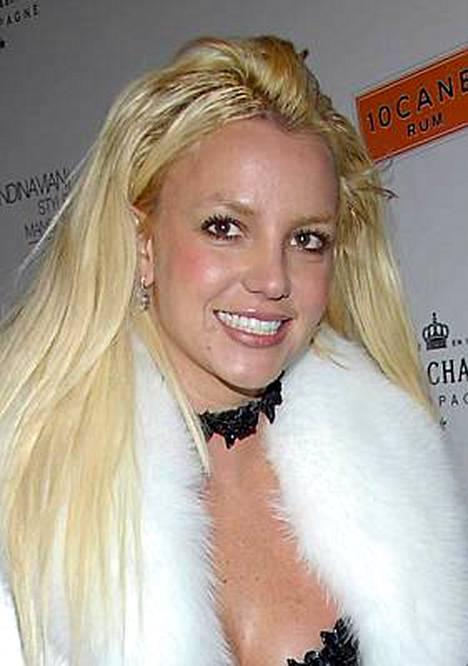 Britney saa tavata poikiaan Prestonia ja Jaydenia kolmesti viikossa valvotuissa olosuhteissa.