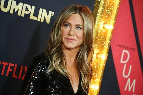 Jennifer Aniston täyttää maanantaina 50 vuotta. Tähti on säilyttänyt saman, nuorekkaan ulkonäkönsä aina Frendit-sarjan alusta saakka.
